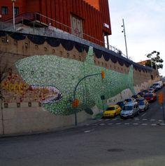 The best street art from around the world. Fresh graffiti works of art. The best art from Best Street Art, Amazing Street Art, Murals Street Art, Street Art Graffiti, Arts Barcelona, Found Art, Outdoor Art, Fish Art, Street Artists