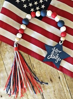 4th July Crafts, Fourth Of July Decor, 4th Of July Decorations, Patriotic Crafts, 4th Of July Party, 4th Of July Wreath, July 4th, Americana Crafts, Beaded Garland