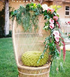With summer just around the corner, we're loving all things warm weathered and sunny.. insert these beautiful beach weddings!