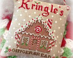Nieve lugar como el hogar navidad ornamento por SugarStitchesDesign