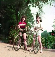 A pair of 1940s bike riding beauties. #vintage #1940s #bikes #summer #fashion