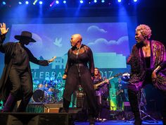 Damaris Lewis on-stage with Shelby J, Liv Warfield and New Power Generation in the Iconic Soundstage at Paisley Park during Celebration 2017. [Photo credit: Paisley Park Studios / Steve Parke]