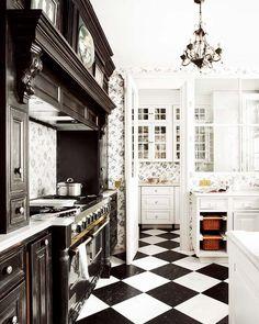 window in da kitchen