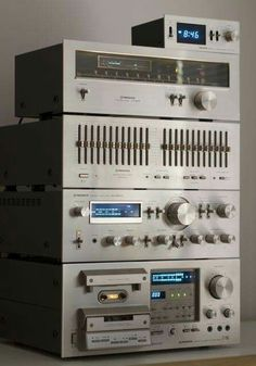 Vintage Audio Pioneer SA-8800 CT-F950 TX-608 SG-9800 and DT-400