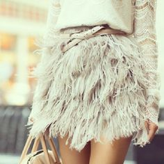 Feather Skirt- Topshop and Marissa Webb Top Fashion Mode, Look Fashion, Fashion Beauty, Womens Fashion, Fashion Trends, Street Fashion, Skirt Fashion, Fashion Glamour, Beauty Style