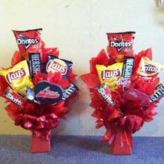 Amateur Hour: Floral Design, Baking, DIY: Easy DIY Valentine's Day Gift for Him! Junk Food Bouquet with a movie Valentine Gift Baskets, Diy Valentines Day Gifts For Him, Valentine's Day Gift Baskets, Diy Gifts For Him, Valentine Day Crafts, Easy Gifts, Diy Valentine's Gifts, Candy Gift Baskets, Homemade Valentines Gifts For Him