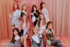 dévoile une première photo teaser de groupe pour son comeback – K-GEN Kpop Girl Groups, Korean Girl Groups, Kpop Girls, Loona Kim Lip, Gfriend Sowon, Kim Jisoo, Extended Play, Soyeon, Group Photos
