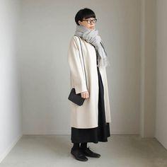 コート(着用サイズ:M) ● YAECA (ヤエカ) | No Collar Coat #beige + ワンピース(着用サイズ:38) ● no control air (ノーコントロールエアー) | HWOP|ユーズ