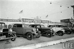Vintage car dealership - wow