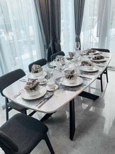 Italian Marble Slab Table   Made Of Italian Marble Slab With Customisable  Legs, This Table