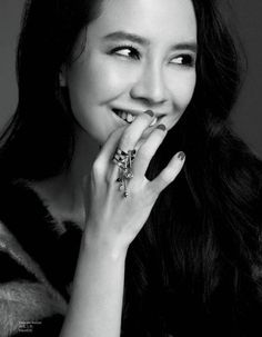 Song Ji Hyo rocks smoky eye makeup for 'Nuyou' + reveals thoughts on 'Ace' title…