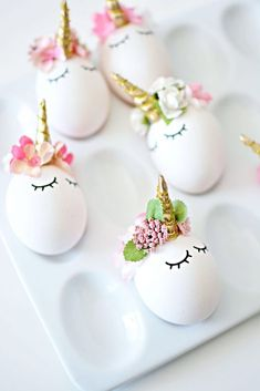 The most amazing DIY unicorn eggs for Easter at Little Inspiration