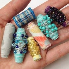 Paper Jewelry, Textile Jewelry, Fabric Jewelry, Jewelry Crafts, Beaded Jewelry, Jewellery, Fabric Beads, Paper Beads, Beading Projects