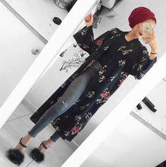 Fashion stylish tunics for woman Fashion stylish tunics for woman – Just Trendy Girls: www. Hijab Fashion Summer, Modern Hijab Fashion, Street Hijab Fashion, Hijab Fashion Inspiration, Arab Fashion, Muslim Fashion, Woman Fashion, Mode Turban, Stylish Outfits
