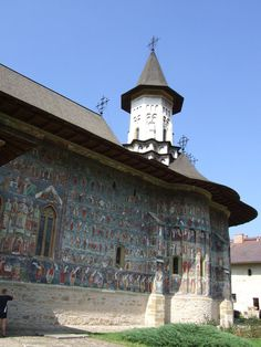 Sucevita Monastery Discover Romania and the beauty of the Moldovan momasteries… Monastery Icons, Painted Doors, Eastern Europe, Amazing Architecture, Tourism, Culture, World, Places, Travel