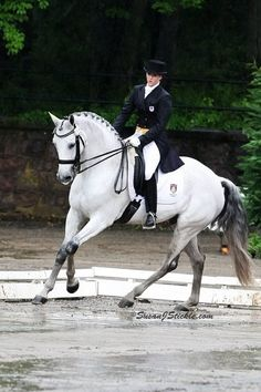 """A working student's horse came to me looking very poor in his coat and his over all muscle and body condition. I started this horse on Equine Mega Gain and was a bit shocked that within 10 days time, we could see a significant difference. When my significant other, Hall of Frame Race Horse Trainer, Roger Attfield, saw this, he immediately ordered the Equine Mega Gain and Equine Omega Complete products for his horses that were difficult to maintain. Thank you!"" Tina Konyot"