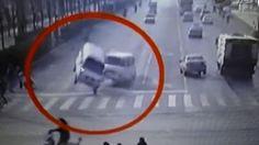 Vídeo que mostra carros flutuando na China espanta internautas e deixam físicos espantados! ~ Sempre Questione - Últimas noticias, Ufologia, Nova Ordem Mundial, Ciência, Religião e mais.