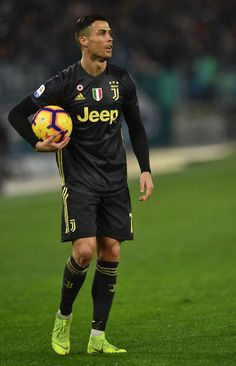 ROME, ITALY - JANUARY Cristiano Ronaldo of Juventus prepares to kick the penalty during the Serie A match between SS Lazio and Juventus at Stadio Olimpico on January 2019 in Rome, Italy. (Photo by Giuseppe Bellini/Getty Images) Cristiano Ronaldo Junior, Cristiano Ronaldo Juventus, Cr7 Ronaldo, Juventus Fc, Team 7, Portugal National Team, Ss Lazio, Ronaldo Wallpapers, Soccer Stars