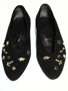SALE! $15 VINTAGE BALIZZA black suede pumps GOLD & SILVERY CHARMS (sz35/5-5.5US) #Balizza #Sale