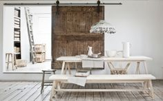 Home is where the heart is, zo luidt het gezegde. Small Space Living, Living Spaces, Living Room, Vintage Interiors, Rustic Interiors, Interior Styling, Interior Decorating, Interior Design, Wooden Sliding Doors