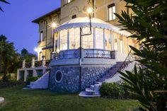VILLA MARIA IN THE NIGHT... www.villamaria.tv #Desenzano #lagodigarda #gardasee #gardalake
