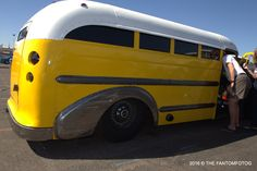 Yellow Beauty! #5&Diner #RockabillyBash #ClassicCar Az State, Rockabilly, Classic Cars, Yellow, Vehicles, Beauty, Vintage Classic Cars, Cosmetology, Classic Trucks
