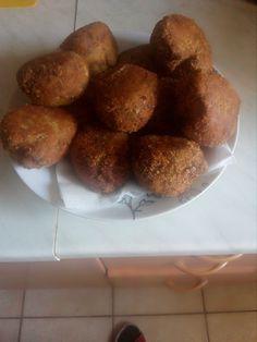 Brokolicové koule s překvapením recept - TopRecepty.cz Mozzarella, Muffin, Breakfast, Food, Morning Coffee, Essen, Muffins, Meals, Cupcakes