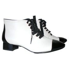 HOUSE OF HARLOW White Leather Ankle boots