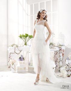 Cala brides from Ibiza corfu, pre collectie 2016 Voor de trendy bruid die kiest voor kort/lang, is dit trouwkleedje heel geschikt. Alles is in een…