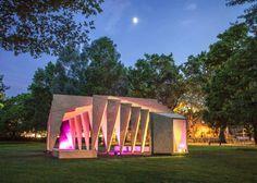 Rib cage-like pavilion La construcción del pabellón produce sombras inspiradoras y siempre cambiantes de acuerdo con el movimiento del sol, la formación de espacios con una sensación de elegancia , y tranquilidad.