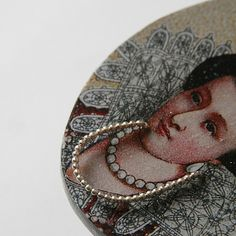 queen's friend by Saltyfox - necklace silver + wood + steel by LIS2