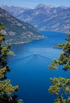Lake Chelan w/Lady of the Lake II by Simonds, via Flickr