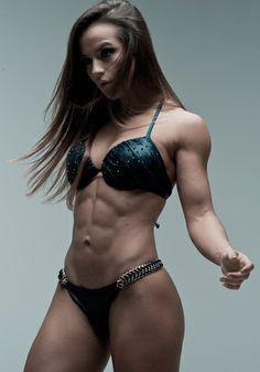 Female Form #StrongIsBeautiful #Motivation #WomenLift2 Alice Matos