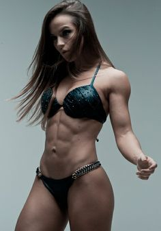 Female Form #StrongIsBeautiful #Motivation #WomenLift2 Alice Matos