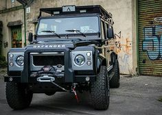 Ghetto #defender110csw by @arkonik #landrover #landroverdefender #landroverphotoalbum @landrover @landrover_uk