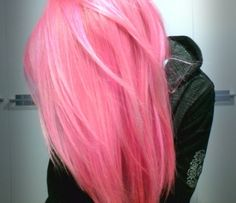I'm not sure why, when I see hair this color, I am so tempted to do this...