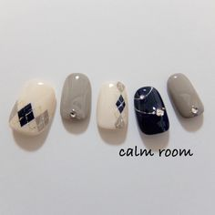 Subscribe to an awesome new tutorial nail design channel for DYI videos every week! Polish the Look at Youtube.com/polishthelook #naildesign #nailart#polishthelook #video
