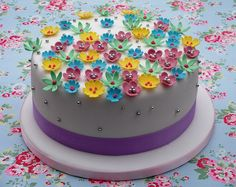 Pretty little flowers cake