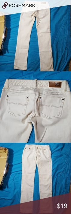 Size 2 X2 denim laboratory nwt eggshell jeans Excellent condition jeans like brand new by X2 denim laboratory no rips stains or tears White was an eggshellish tint. These have an surprising amount of stretch in them x2 Jeans Boot Cut