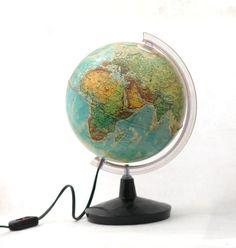 Vintage Lamp World Globe 80s School Lighted Earth globe