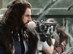 Behind the scenes of The Hobbit (gif). Just appreciate how perfect Richard Armitage was for Thorin