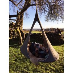 Cacoon SONGO Hanging Nest Songo (The Dreamer) is the newest addition to the Cacoon family. The beautiful organic shape of the twin doors blend subtly with the oval base shape affording a more elongate