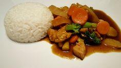 Chop suey finnes det ett hav varianter av. Dette er min variant med kylling. Vi syns den er like ...
