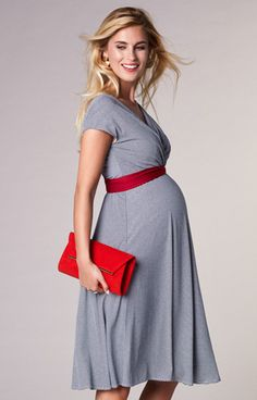 With the same nautical stripes of our Alana maxi maternity dress but in a classic knee length version, Alessandra is perfect for summer parties.