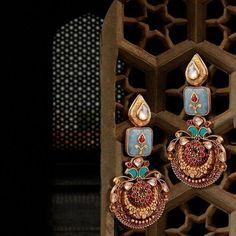 Ideas for vintage jewelry holder jewels Jewelry Design Earrings, Designer Earrings, Diamond Jewelry, Jewelery, Silver Jewelry, Vintage Jewelry, Jade Jewelry, Pearl Jewelry, Swarovski Jewelry