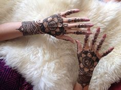 intricate bridal hands henna tattoo by Rozine at Cool Henna www.CoolHenna.com