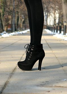 <3 this silhouette, black on black and I love the look with a chunkier heel as well