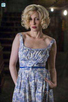 Vera Farmiga in Bates Motel. Lovely dress! I love Norma's fashion sense!