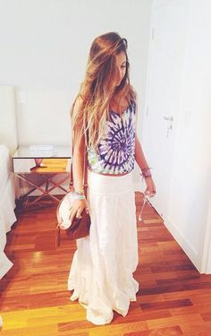love love love her outfit; tie-dye/maxi skirt!