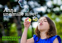 Kids will enjoy these homemade bubbles recipes. Learn how to make bubbles in your own backyard and enjoy hours of fun in the sun! Giant bubbles, strong bubbles, colorful bubbles, and more! Homemade Bubble Recipe, Homemade Bubbles, How To Make Bubbles, Giant Bubbles, Summer Fun, Backyard, Play Dough, Strong, Colorful